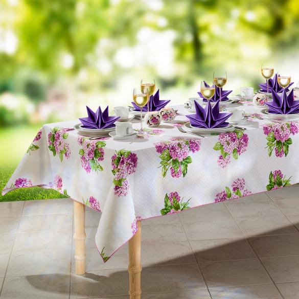 Vorgefaltete Servietten lila