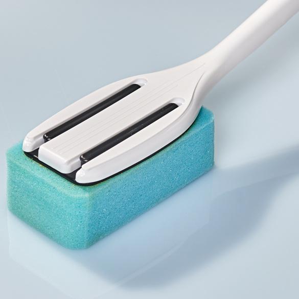 Waschbürste mit Seifenspender