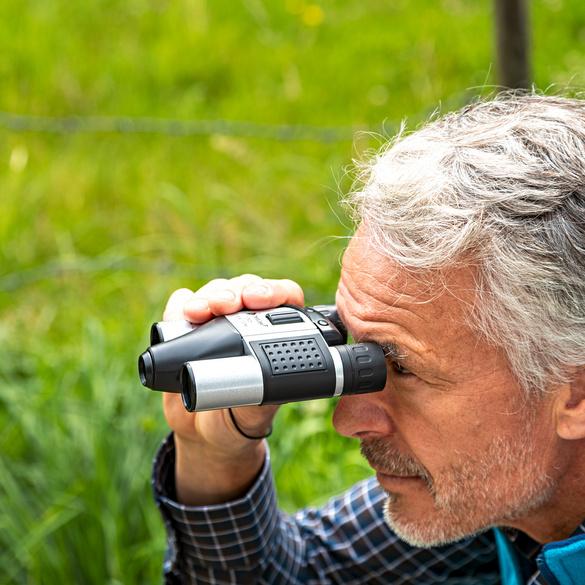 Fernglas mit Kamera
