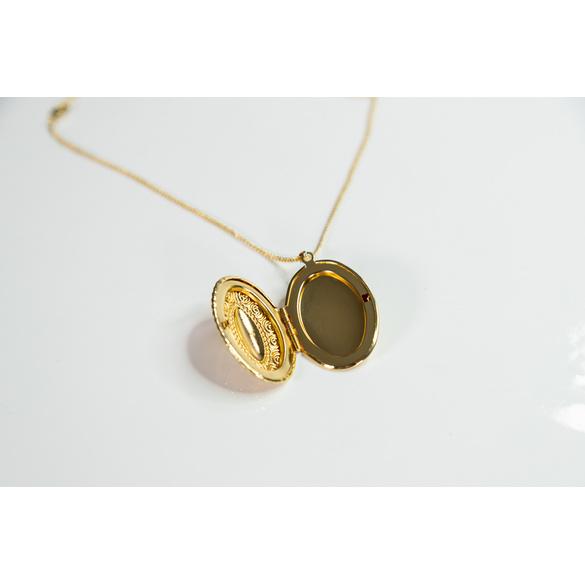 Medaillon-Kette goldfarben