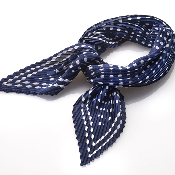 Plissee-Schal blau-weiß
