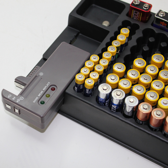 Batterie-Box mit Tester