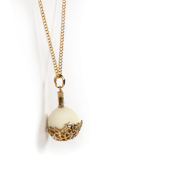 Halskette mit Perlenanhänger